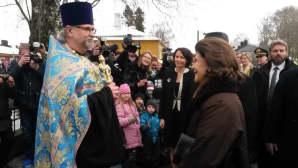 Isä Timo Tynkkynen ja kuningatar Silvia