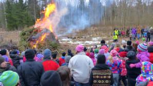 Pääsiäiskokko Edvininpolulla Vaasassa (sääkuva)