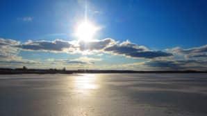 Aurinkoinen päivä Ullavanjärvellä 5.4.2015