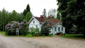 Helmi on Naulatehtaan alueen vanhin asuinrakennus.