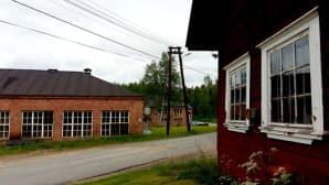 Vanhat tehdasrakennukset ovat perinteistä punatiiltä.