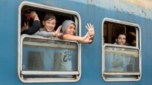 Pakolaisia kuljettava juna lähtee Budapestin asemalta sunnuntaina 6. syyskuuta kohti Itävaltaa.