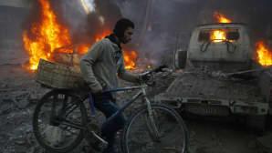 Ainakin 11 siviiliä menehtyi ilmaiskussa Hamourian kaupungissa Syyriassa 9. joulukuuta.