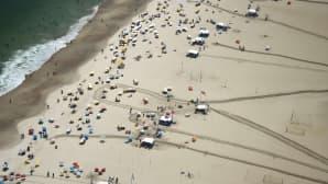 Ilmakuva Rio de Janeiron Cobacana-rannasta 3. helmikuuta. Helteet kohosivat viime viikolla Brasilian pääkaupungissa lähes 40 celsiusasteeseen.