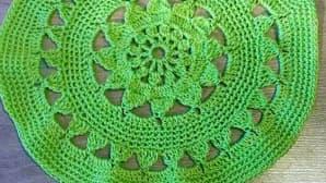 vihreä pitsiliina