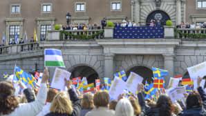 Ruotsin kuningasperhettä ja kansaa.
