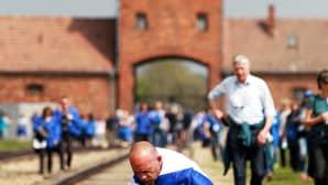 Holokaustin muistolle järjestetty March of the Living -kulkue kulki Auschwitz I -keskitysleiristä Birkenaun tuhoamisleirille Oświęcimissa Puolassa.