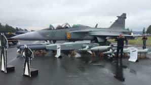 Ruotsalaista hävittäjäkalustoa edustava Saab JAS39 Gripen.