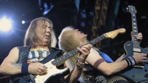 Iron Maidenin kitaristit Dave Murray ja Janick Gers.
