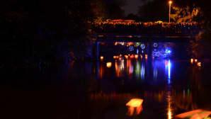 Valon kaupunki 2016, Tourujoen yössä valo virtaa.