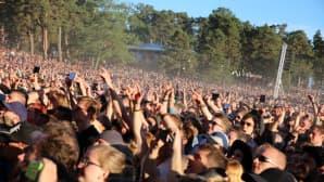 Yleisöä Foo Fightersin keikailla