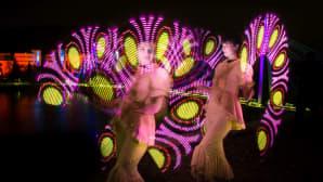 Belenos Group of Artsin Ikaros -valoshow säväytti kaiken ikäisiä katsojia.
