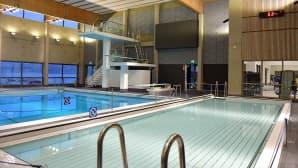 Hämeenlinnan uimahallin monitoimiallas ja hyppyallas