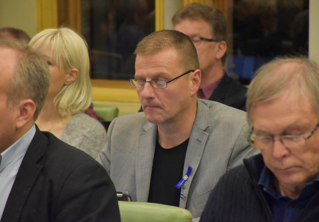 Valtuutettu Petri Huru (ps.) Porin kaupunginvaltuustossa marraskuussa 2018. / Kuva: Antti Laakso / Yle
