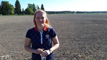 Viljelijä ja Pro Agria asiantuntija Elina Valkeinen