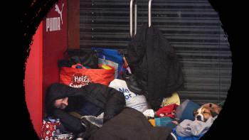 Miksi yhä useampi britti menettää kotinsa ja joutuu kaduille asumaan?