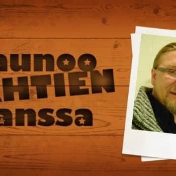 Saunoo tähtien kanssa: Jukka Hallikainen haaveilee musiikkiohjelman juontamisesta