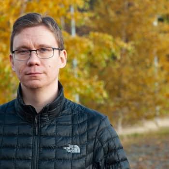 """Nu finns Tomas """"Tomppi"""" Bäcks memes i bokform"""