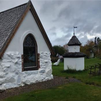Leena Harjunpää rakensi miehelleen kirkon