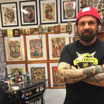 Tatuoinnit kaulaan ja kämmenselkiin on ansaittava