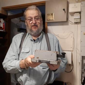 Thomas Anderssén i Bennäs samlar på telegrafnycklar
