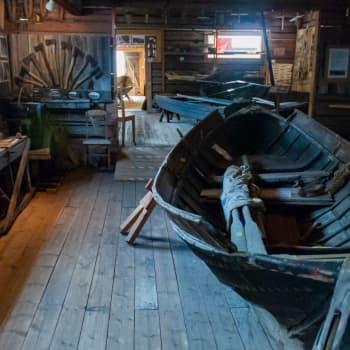 En rundtur i Kvarkens båtmuseum