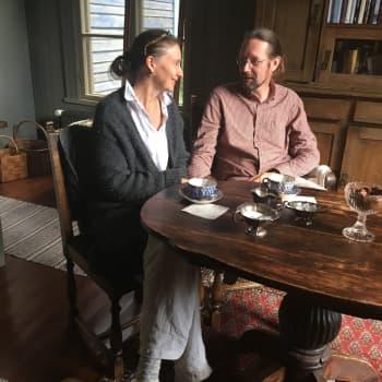 Pariskunnan rakkaus vanhoihin taloihin pelasti kartanon Pyhtäällä