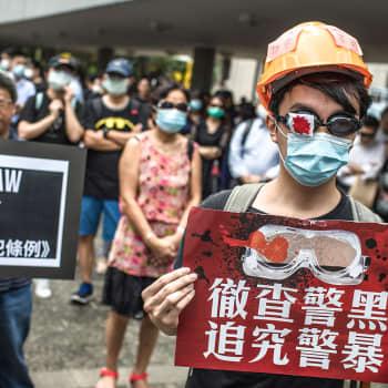 Kiina murentaa Hongkongin asemaa