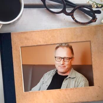 Reijo Mäki: Kesällä suomalaisen pitää panna haisemaan
