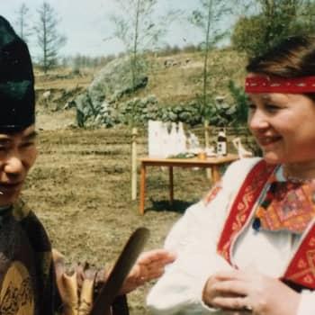Kuusi kuvaa japanilaisen kulttuurin tuntijan, Riitta Oikawan elämästä