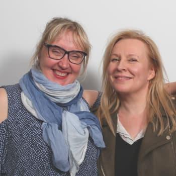 """Komedienne Heli Sutela: Naisten roolien vähyys on """"paljastavan, musertavan, kiusallisen kamalaa"""""""