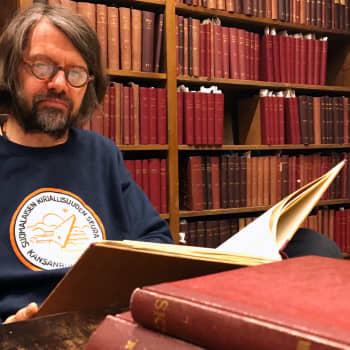 Matti Simola oli itseoppinut perinteenkerääjä, jonka arvoitukselliset tekstit toivat romanit osaksi kansanperinnearkistoa