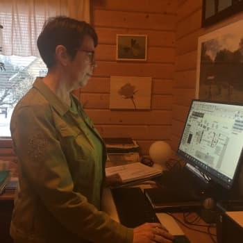 Maritta Vuorinen suunnittelee pihoja Kouvolan Asuntomessuille