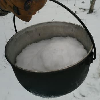 Näin hankit juomavettä talvella - maistoimme myös merijäätä ja yllätyimme