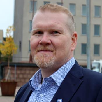 Kaupunginjohtaja Esa Sirviön ensimmäinen vuosi Kotkan johdossa oli tahmea 
