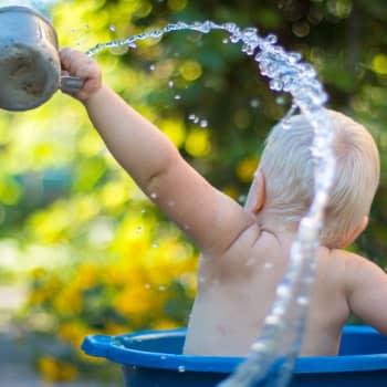 Pitääkö vauvan tai taaperoikäisen harrastaa?