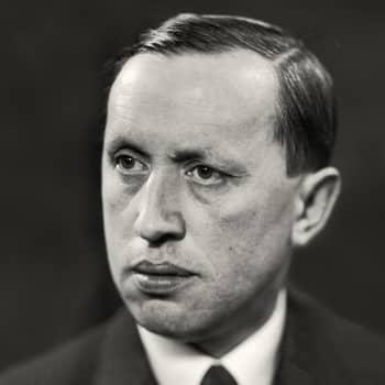 Pop-kirjailija 1920-luvulta. Pekka Suhonen kertoo Karel Čapekista