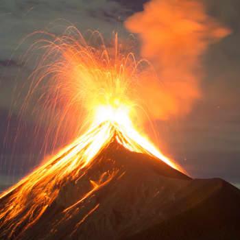 Purkautuva tulivuori on vaikuttava näky – kaikissa meissä on tulivuoriperäisiä atomeja ja yhdisteitä