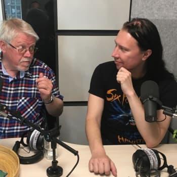 Radioprofilen och musikern Kjell Simosas vill lära sig mer om fåglar