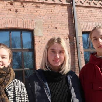 YLE Tampere: Tampereen yhteiskoulun lukiossa sisällissodasta opitaan aidoilla tapahtumapaikoilla