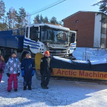 Radio Suomi Mikkeli: Aura-auto ja lapset ovat haasteellinen yhdistelmä liikenteessä