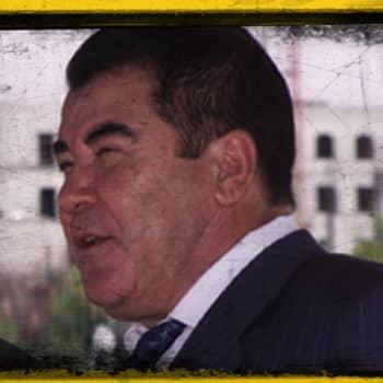 Kuunkaltainen profeetta Saparmurat Nijazov