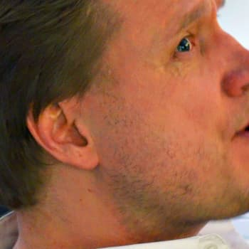 Radio Suomesta poimittuja: Samuli Edelmann: Lähetin levyni Vaiheet Tom Cruiselle
