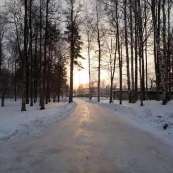 Radio Suomi Mikkeli: Pieksämäen puistoluisteluradalla ei tarvitse pelätä railoja tai heikkoja jäitä