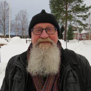 Sunnuntaivieras: Kapinallisesta Seppo Ojalasta kasvoi rakastettu kirkkoherra