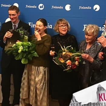 Kultakuume: Finlandia-voittajat valinneet Elisabeth Rehn ja Matti Rönkä puhuvat maailman paineesta ja kirjallisuudesta