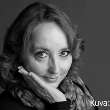 Kuusi kuvaa: Katriina Järvinen nosti luokkaerot esiin