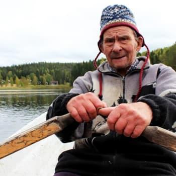 YLE Kymenlaakso: Matti Hölttä tapasi Tauno Palon Mankalan koskilla