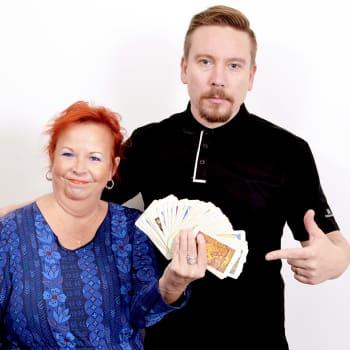 Perttu Häkkinen: Tarot - itsereflektion ja initiaation väline