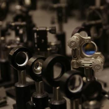 Tiedeykkönen: Nanotiedettä - tulevaisuudessa saatamme nähdä kultaleimatun viruksen matkan soluun